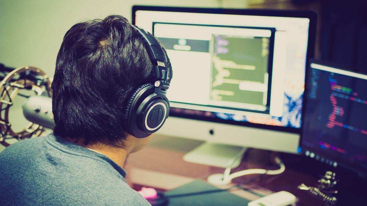 les différents débouchés professionnels liés au domaine des jeux vidéo